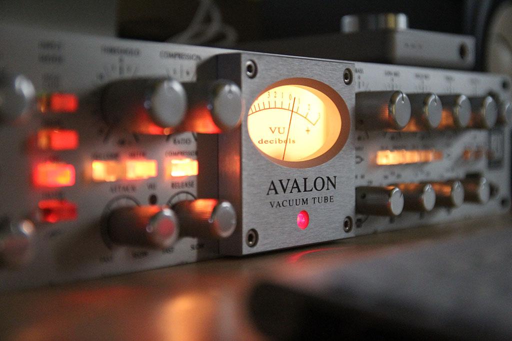 Equipamentos de alto nível para captação da voz e dos instrumentos