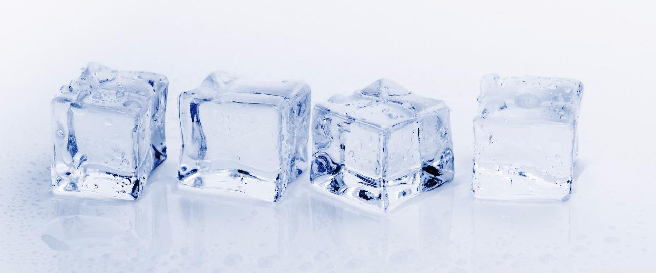 3 cubos de gelo