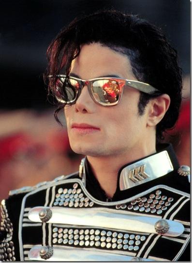 MIchael-Jackson a frente_thumb3