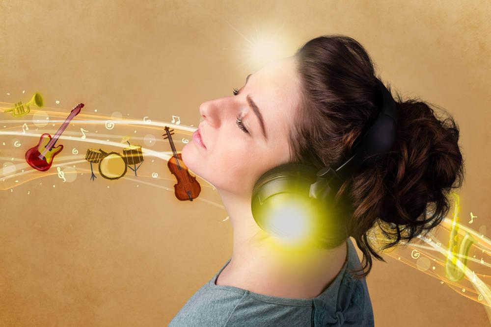 instrumentos emujer-escuchando-musica-clasica