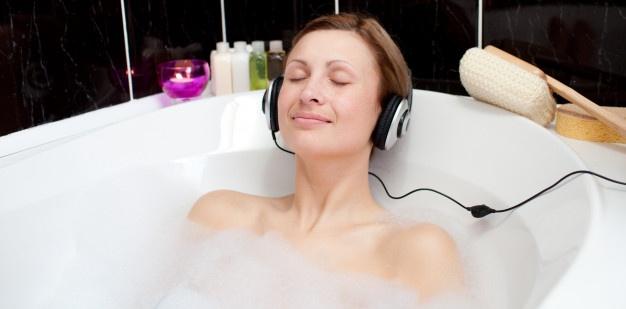 banho-de-espuma_13339-4522