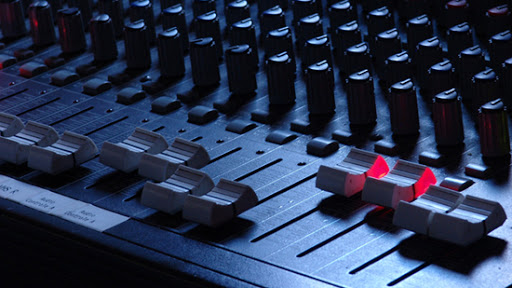 mesa de som hoje